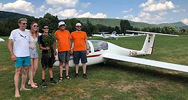 Marc (14) fliegt alleine